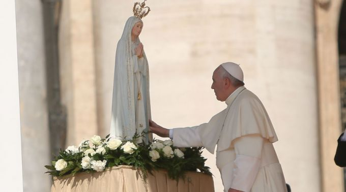 Virgen_Fatima_y_Papa_Francisco